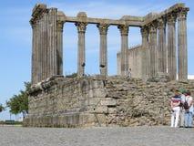 Roman Temple av Ã-‰ voraen arkivbilder