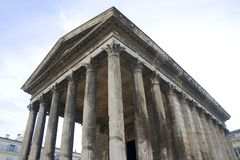 Roman temple - Maison Carr� - Nimes - France Royalty Free Stock Photography