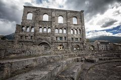 Roman Theatre, Aosta, Italia Imagen de archivo libre de regalías