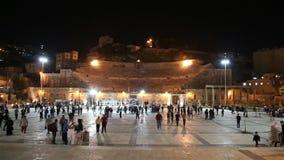 Roman Theatre i Amman (på natten), Jordanien lager videofilmer