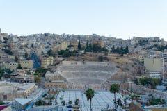 Roman Theatre i Amman på solnedgången Royaltyfria Bilder