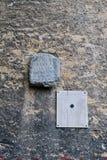Roman Tombstone antigo na parede velha, Zagreb, Croácia foto de stock