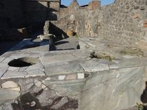 Roman Villa Kitchen em Pompeii 2 foto de stock royalty free
