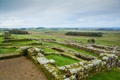 Roman Wall en Housesteads fotos de archivo