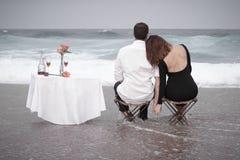 Romance отношение любовников океана пляжа влюбленности пар захвата Стоковое Изображение