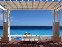 Romance aîné sur Cote d'Azur Photos libres de droits