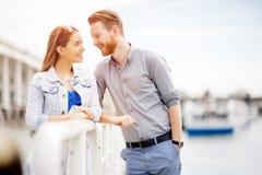 Romance bonito do ` s dos pares imagem de stock royalty free