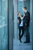 Romance com colega de trabalho Fotos de Stock Royalty Free