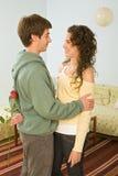 Romance de los pares del adolescente Foto de archivo libre de regalías