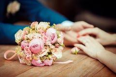 Romance del día de boda Fotografía de archivo