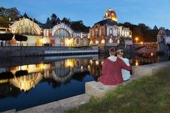 Romance en la planta hidroeléctrica Foto de archivo