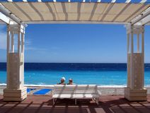 Romance sênior no d'Azur da costa fotos de stock royalty free