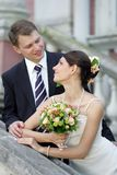 romancing夫妇的爱 免版税库存照片