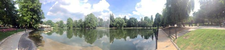 Romanescu公园全景,克拉约瓦,罗马尼亚 免版税库存照片