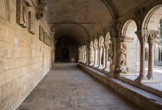 Romanesque εκκλησία μοναστηριών του καθεδρικού ναού Αγίου Trophime σε Arles Προβηγκία Στοκ φωτογραφίες με δικαίωμα ελεύθερης χρήσης