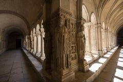 Romanesque εκκλησία μοναστηριών του καθεδρικού ναού Αγίου Trophime σε Arles Προβηγκία, Στοκ Φωτογραφία