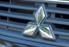 ROMANIA-SEPTEMBER 2 2017 Mitsubishi logo på September 2 2017 i RUMÄNIEN, logo av en Mitsubishi bil som visas i en bilshow i Galat Royaltyfria Foton
