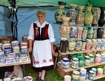 romanian traditionellt för krukmakeri Arkivfoto