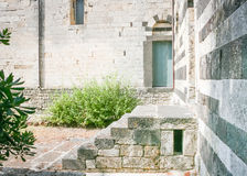 Romanische sardinische Treppe Lizenzfreies Stockfoto