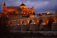 Romano de Cà Catedrà ¡ λ Υ puente rdoba ³ στοκ φωτογραφία