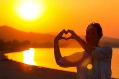 Romans och förälskelse på sjösidan Fotografering för Bildbyråer