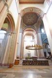 Romansk basilika Arkivfoto