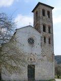 Romansk församlingkyrka av helgon Giovanni och Felicita Valdic Royaltyfri Bild