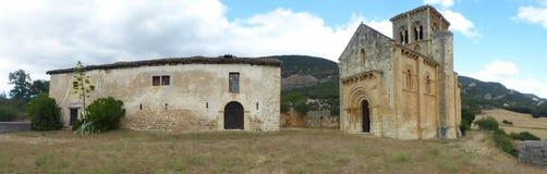 ROMANSK KYRKA I PUENTEARENAS, BURGOS arkivbilder