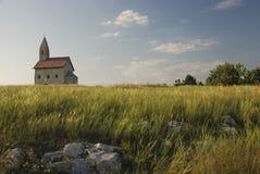 Romanska kyrkliga Sanktt Michael på rocken Royaltyfri Fotografi