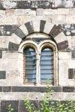 Romanskt fönster Royaltyfria Bilder