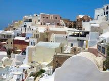Romantic beautiful cityscape and blue sky of Oia on Santorini in Stock Photos