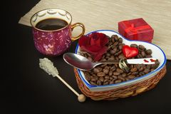 Romantic coffee. Marriage proposal. Royalty Free Stock Photography