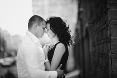 Romantic couple embrace Royalty Free Stock Photos