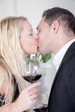A romantic couple kissing and hugging Royalty Free Stock Photos