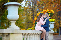 Romantic couple in Paris on a fall day Royalty Free Stock Photos