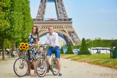 Romantic couple in Paris on a summer day Royalty Free Stock Photos