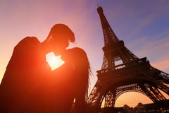 Romantic lovers with eiffel tower Royalty Free Stock Photos
