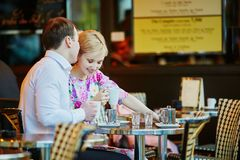 Romantic loving couple drinking coffee Royalty Free Stock Images