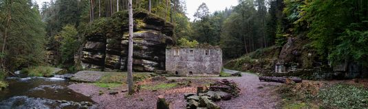 Romantic ruin of Dolsky mlyn in Ceskosaske Svycarsko national park Stock Photo
