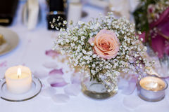 Romantic wedding decoration with pink roses  and pearls Royalty Free Stock Photos