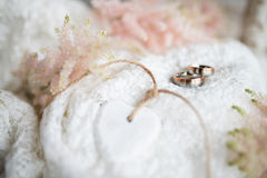 Romantic wedding decoration with rings Royalty Free Stock Photos