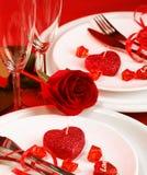 Romantiker bordlägger inställningen Royaltyfria Bilder