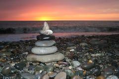 Romantique, détendant, la pyramide de temps, est associée à des vacances de détente Photographie stock libre de droits