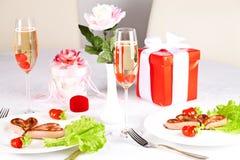 Romantisch, creatief ontbijt. stock foto