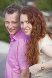 Romantisch en gelukkig paar Stock Foto's