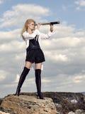 Romantisch jong mooi meisje met een kijker Stock Foto