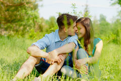 Romantisch jong paar Stock Foto's