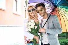 Romantisch jong paar op hun eerste datum Royalty-vrije Stock Foto's