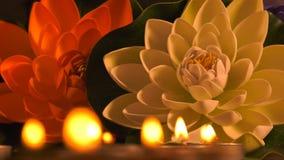 Romantisch Kaarslicht en Bloemen stock videobeelden