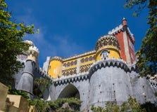 Romantisch kasteel in sintra stock afbeeldingen